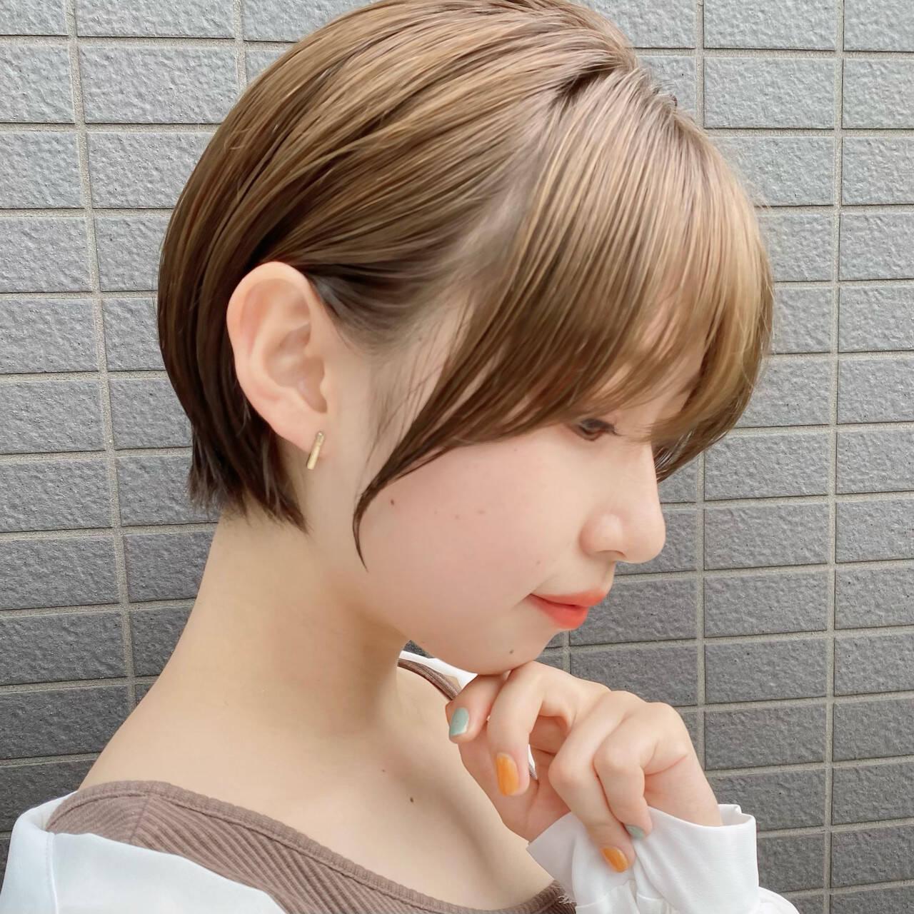ミニボブ ショートヘア ショートボブ ナチュラルヘアスタイルや髪型の写真・画像