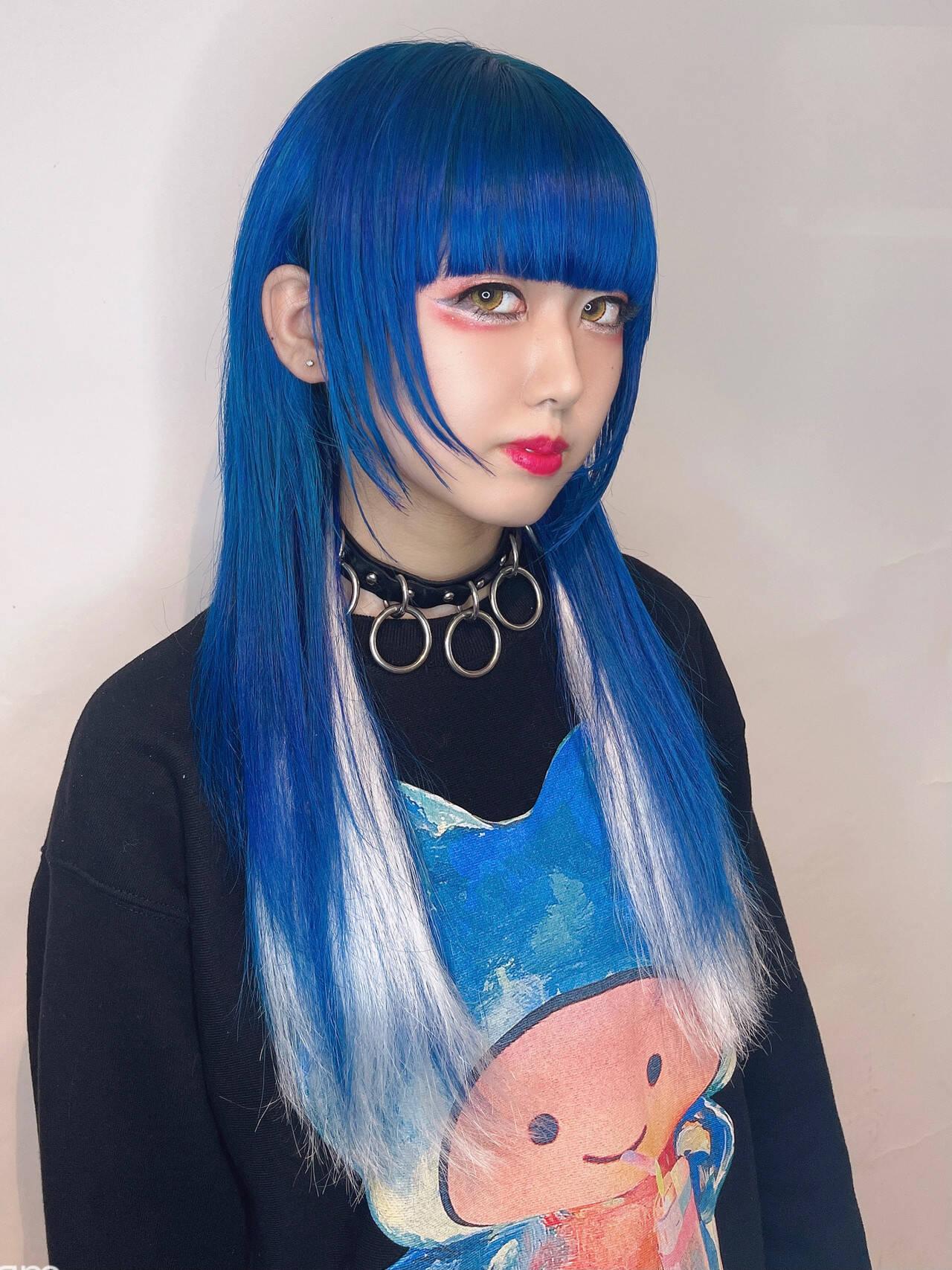 フェミニン インナーカラー 派手髪 ロングヘアスタイルや髪型の写真・画像