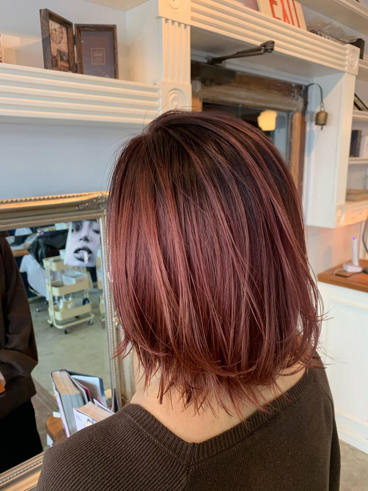 ミディアム ピンクラベンダー シースルーバング ラベンダーカラーヘアスタイルや髪型の写真・画像