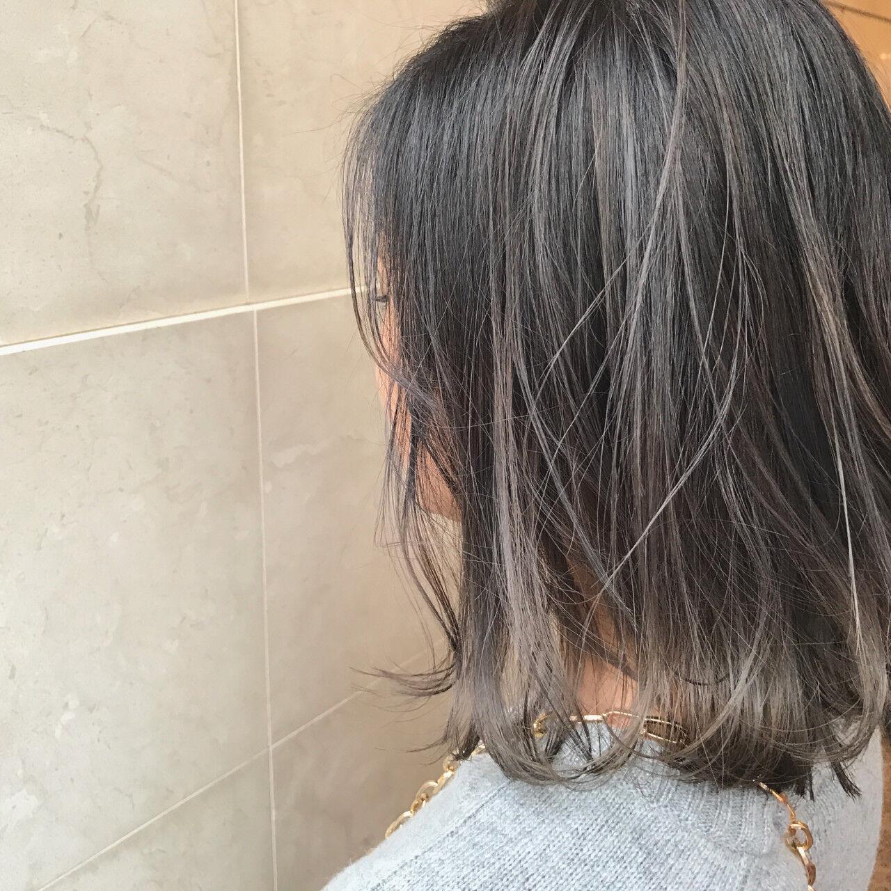 ボブ ダブルカラー グレージュ アッシュグレージュヘアスタイルや髪型の写真・画像