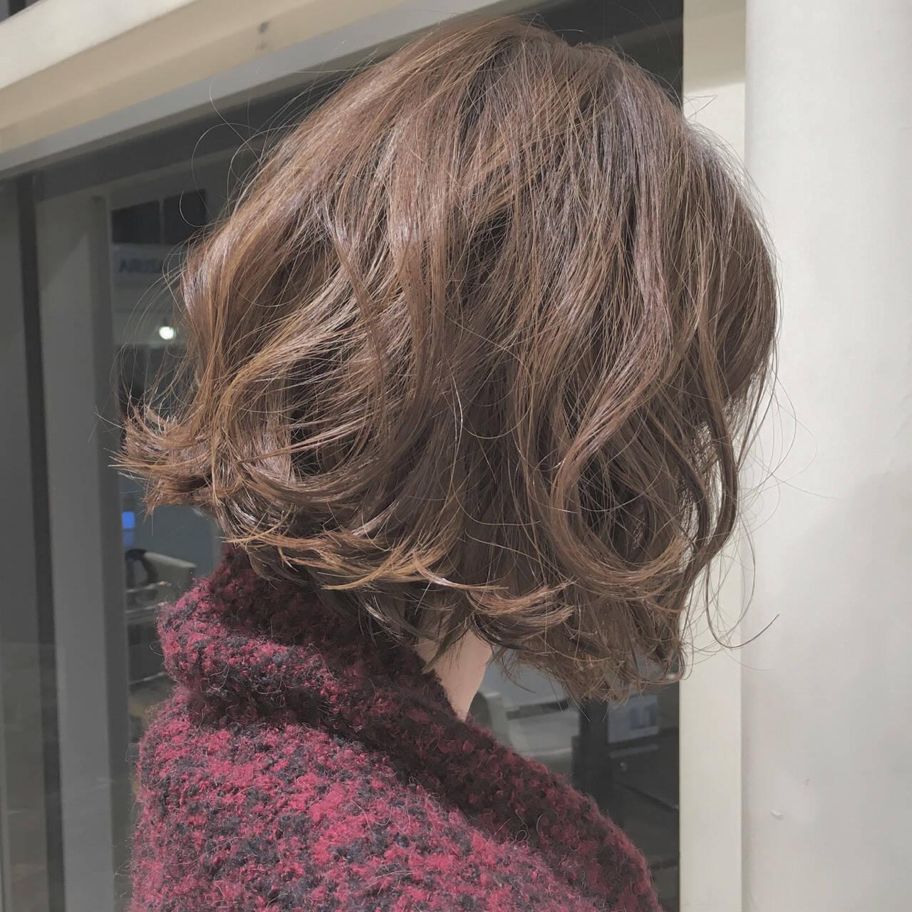 切りっぱなし ボブ ナチュラル グレージュヘアスタイルや髪型の写真・画像