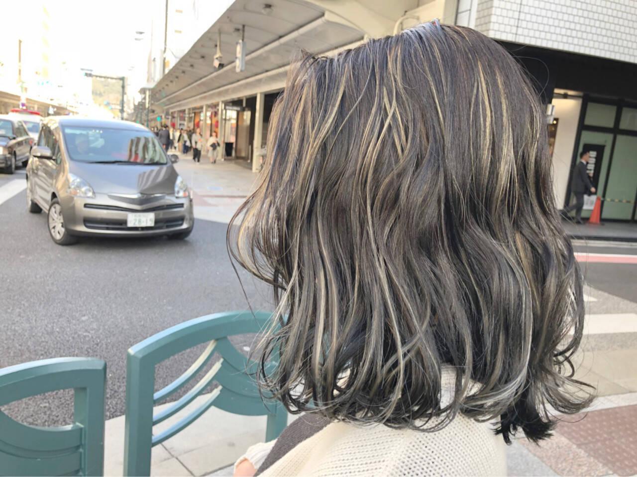ローライト ハイライト モード ミディアムヘアスタイルや髪型の写真・画像