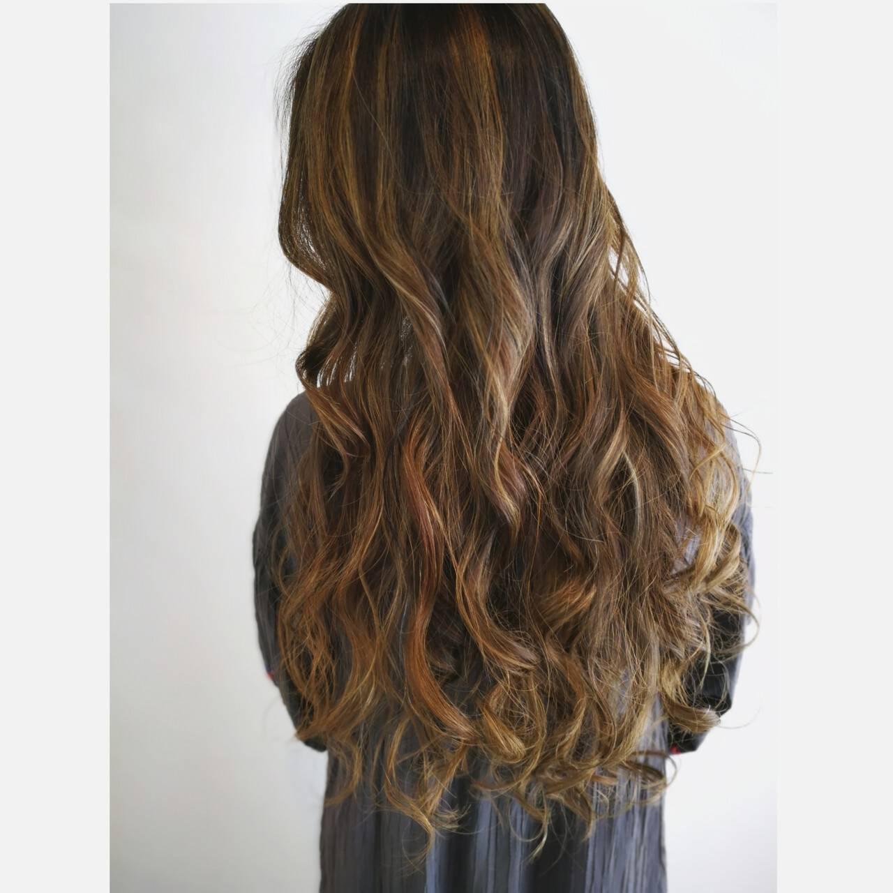 ロング ヘアカラー スモーキーカラー コンサバヘアスタイルや髪型の写真・画像
