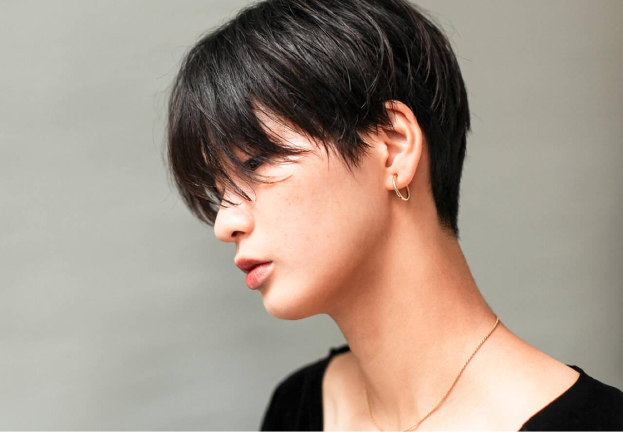 ショート マニッシュ 黒髪 メンズヘアスタイルや髪型の写真・画像