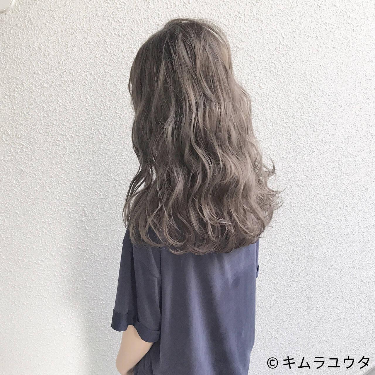 セミロング 外国人風 アッシュグレージュ アッシュヘアスタイルや髪型の写真・画像
