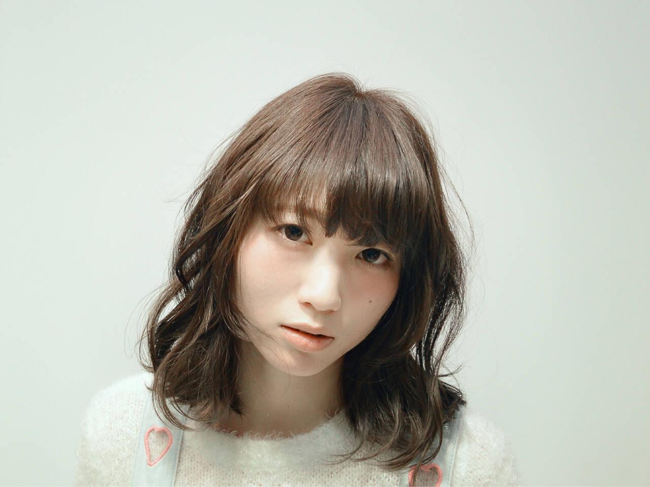 アッシュ 外国人風カラー ナチュラル グレージュヘアスタイルや髪型の写真・画像