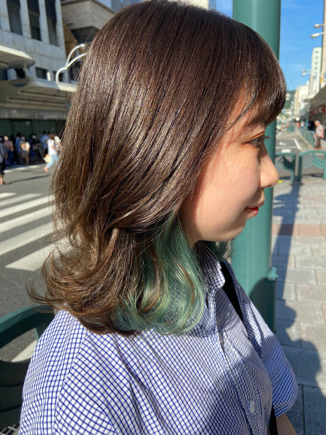 デザインカラー ブリーチカラー ミディアム ウルフカットヘアスタイルや髪型の写真・画像