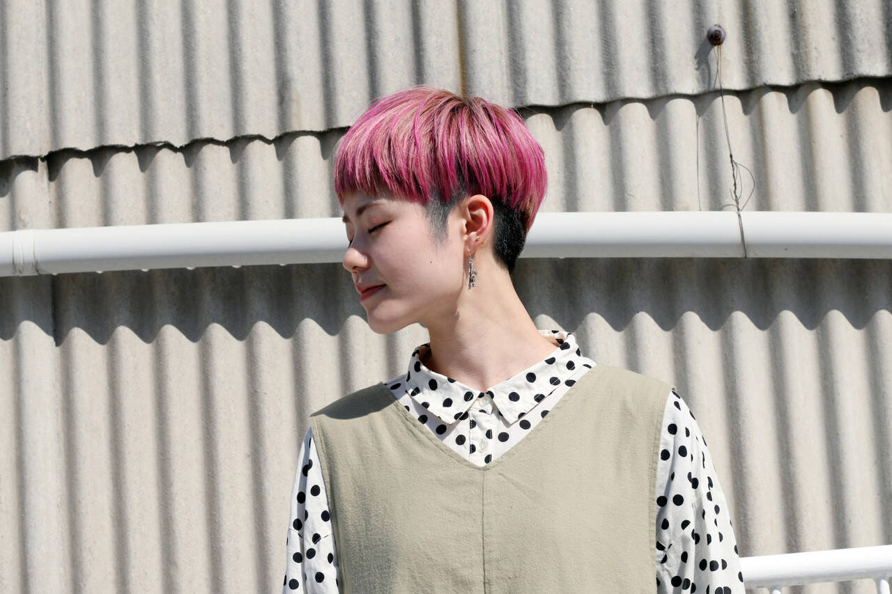 アッシュグレー ラベンダーピンク ショート アッシュベージュヘアスタイルや髪型の写真・画像