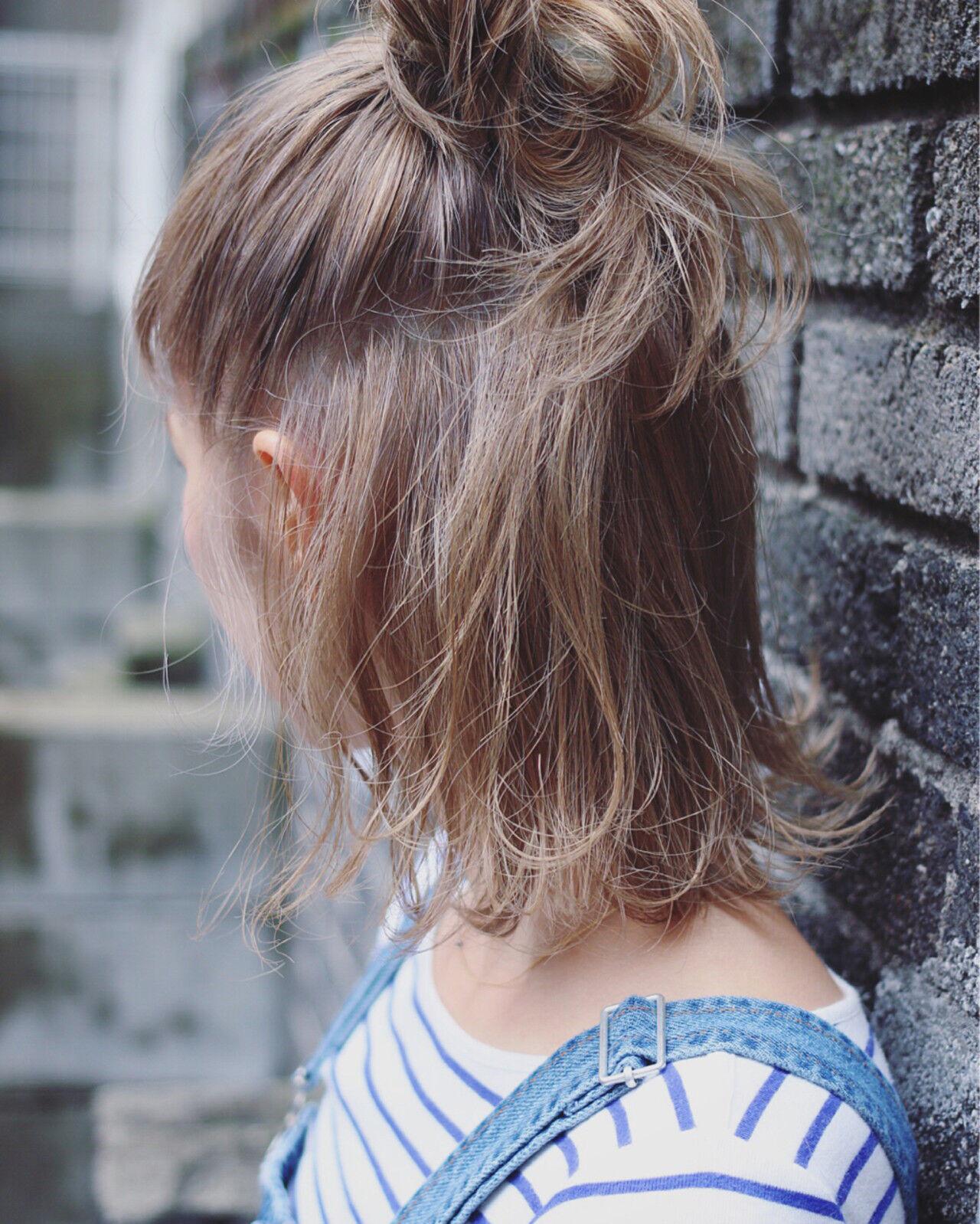 ベージュ ショート ボブ ストリートヘアスタイルや髪型の写真・画像
