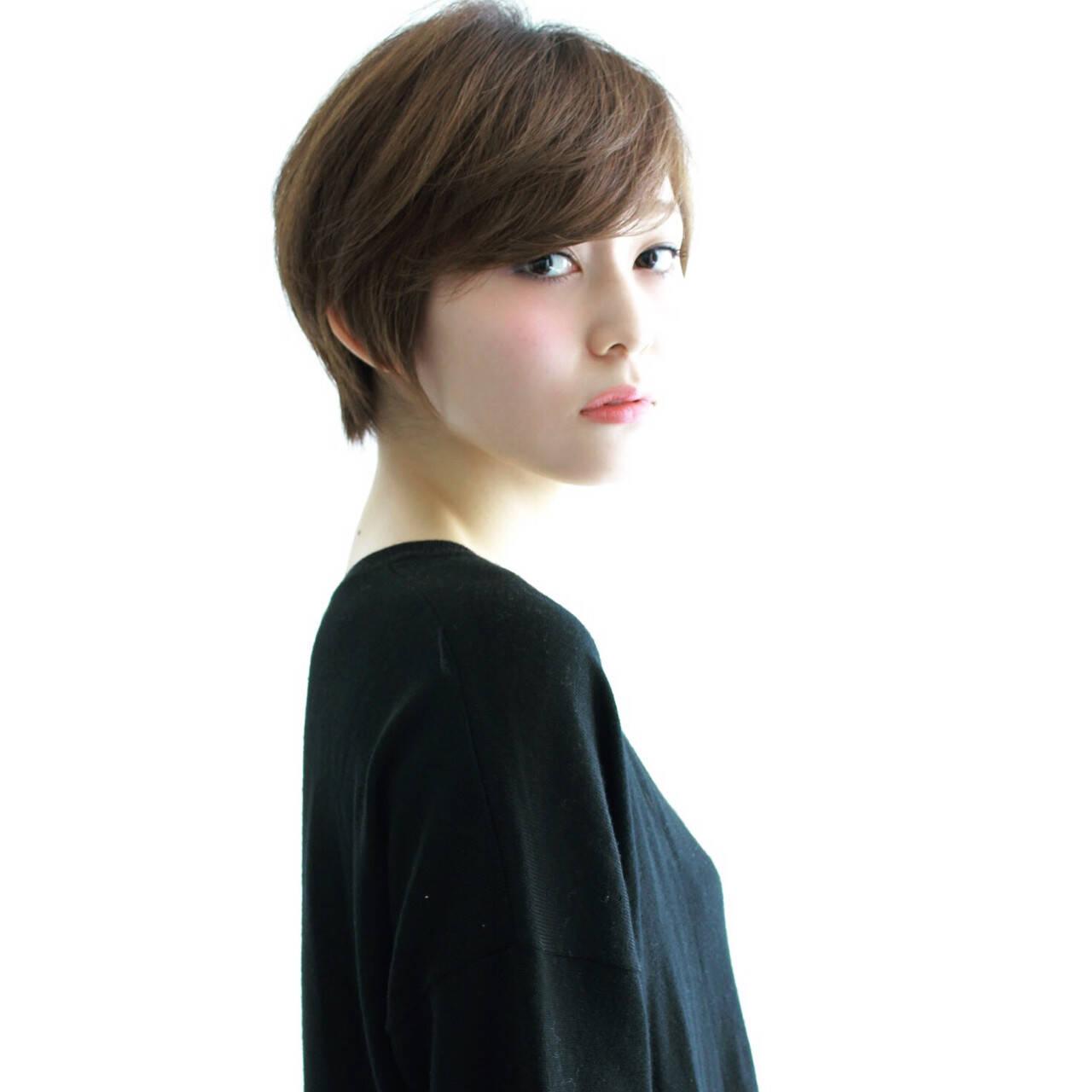 ショート 小顔 オフィス 外国人風ヘアスタイルや髪型の写真・画像