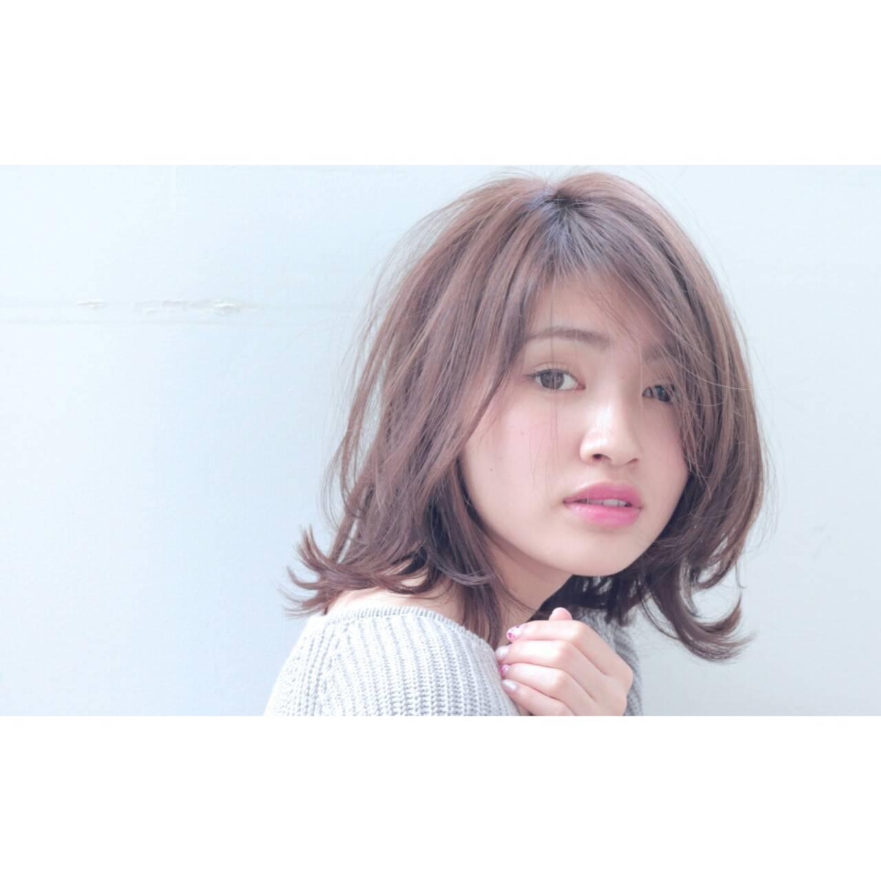 デート 大人女子 セミロング 小顔ヘアスタイルや髪型の写真・画像
