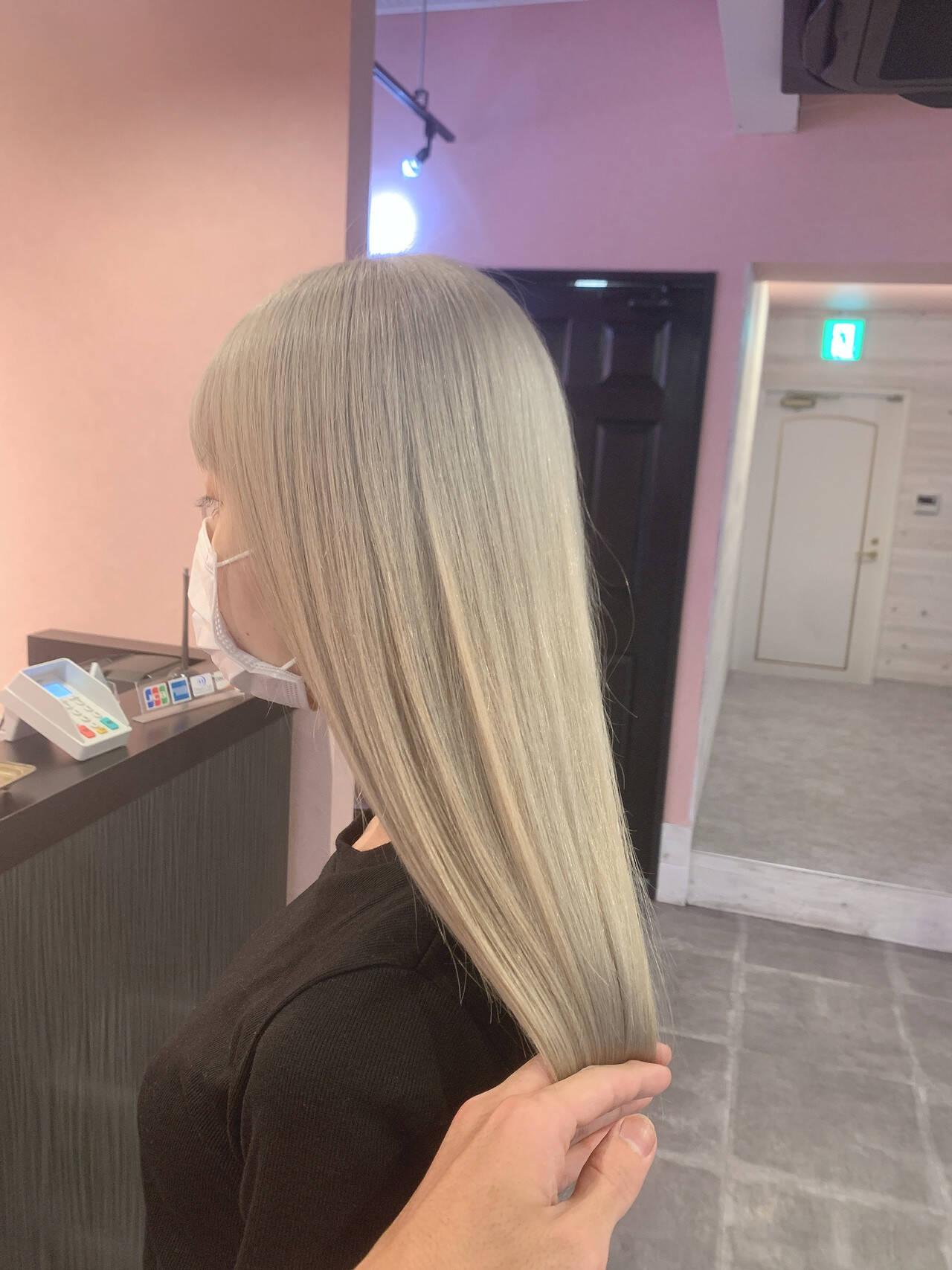 ヨシンモリ セミロング 韓国風ヘアー ブリーチカラーヘアスタイルや髪型の写真・画像