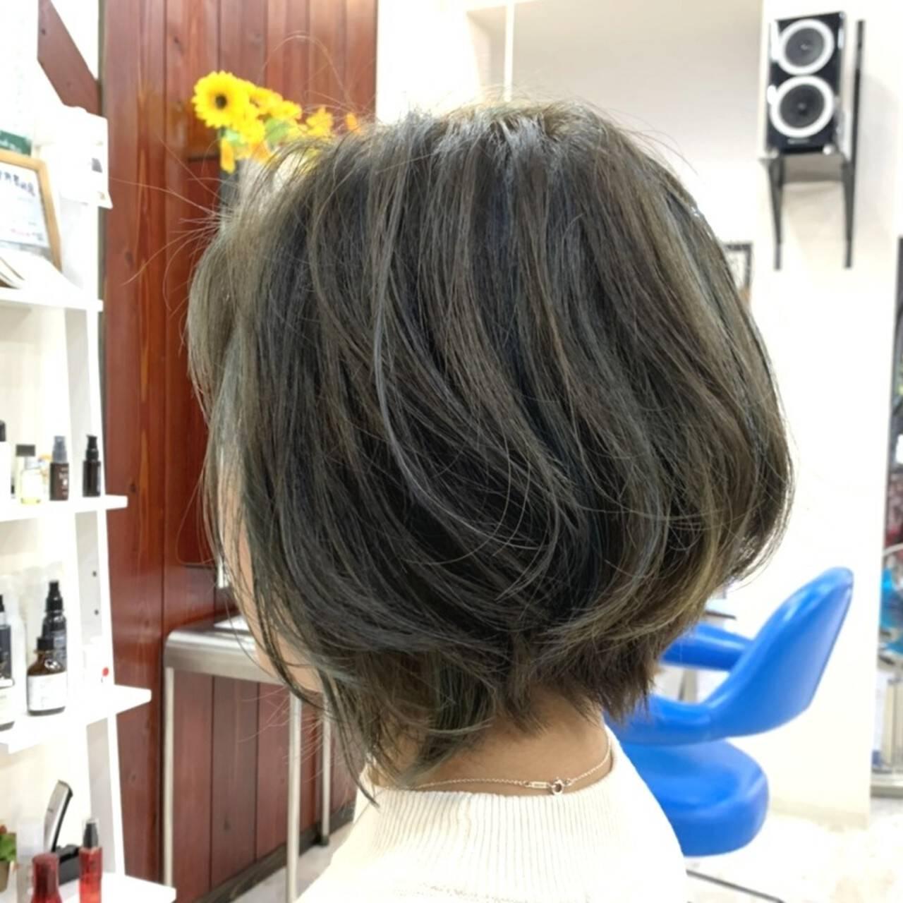 ショートヘア ショートボブ ショート ナチュラルヘアスタイルや髪型の写真・画像