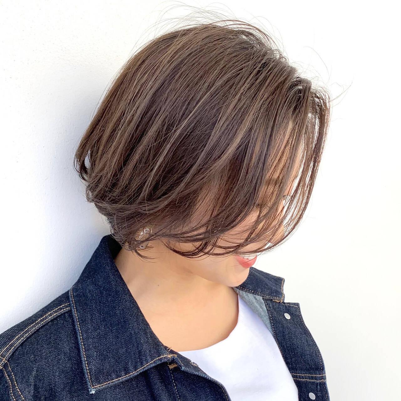 ショートボブ ショート モカベージュ オーガニックカラーヘアスタイルや髪型の写真・画像