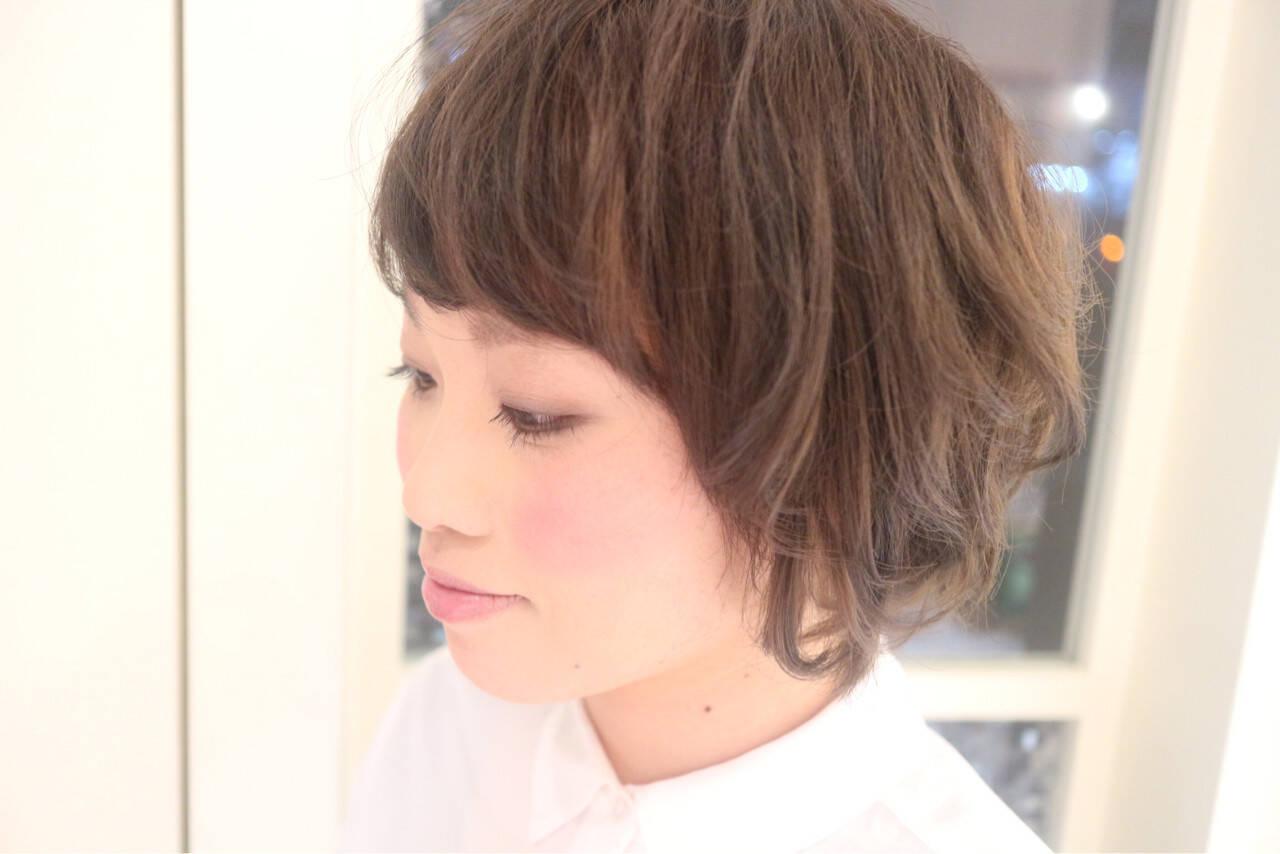 ショート 小顔 ナチュラル 大人女子ヘアスタイルや髪型の写真・画像