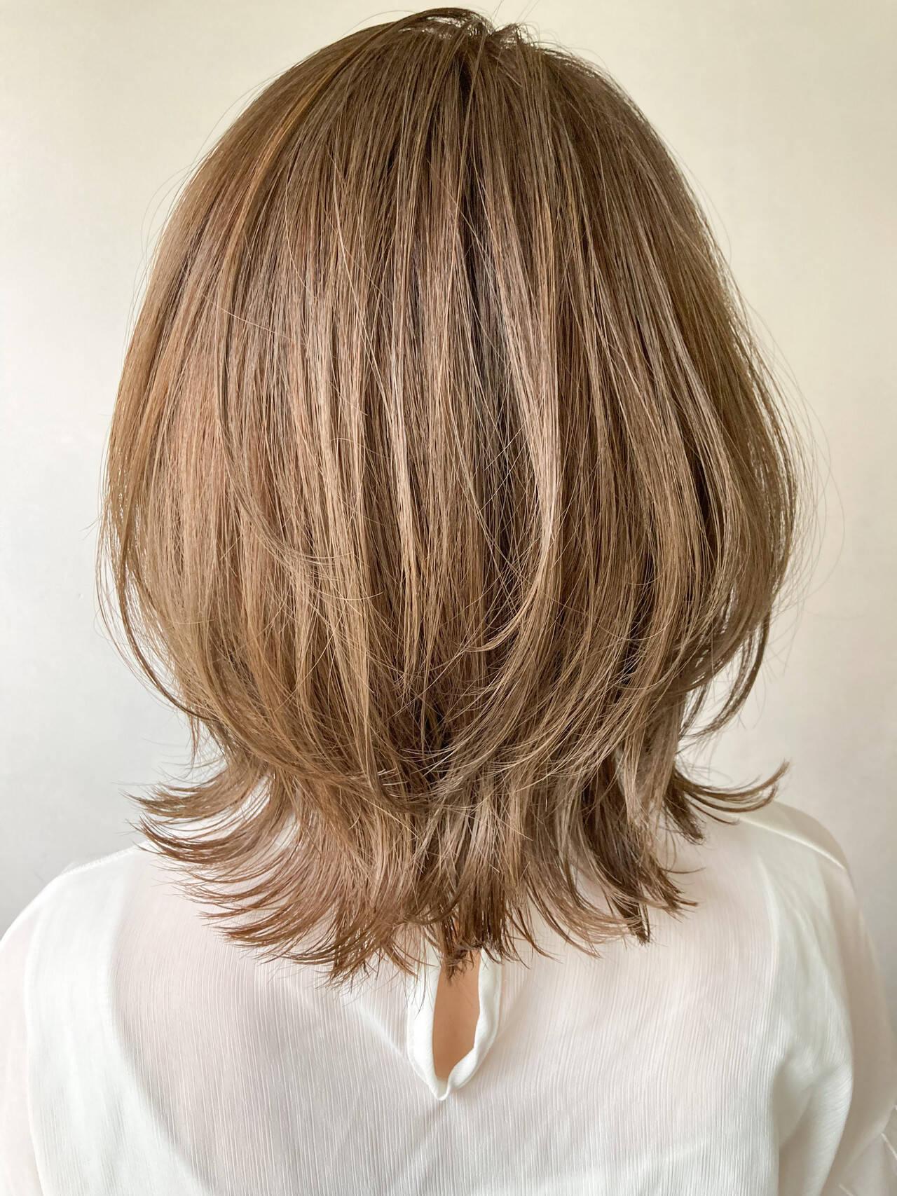 外ハネボブ 大人かわいい アンニュイほつれヘア ミディアムヘアスタイルや髪型の写真・画像