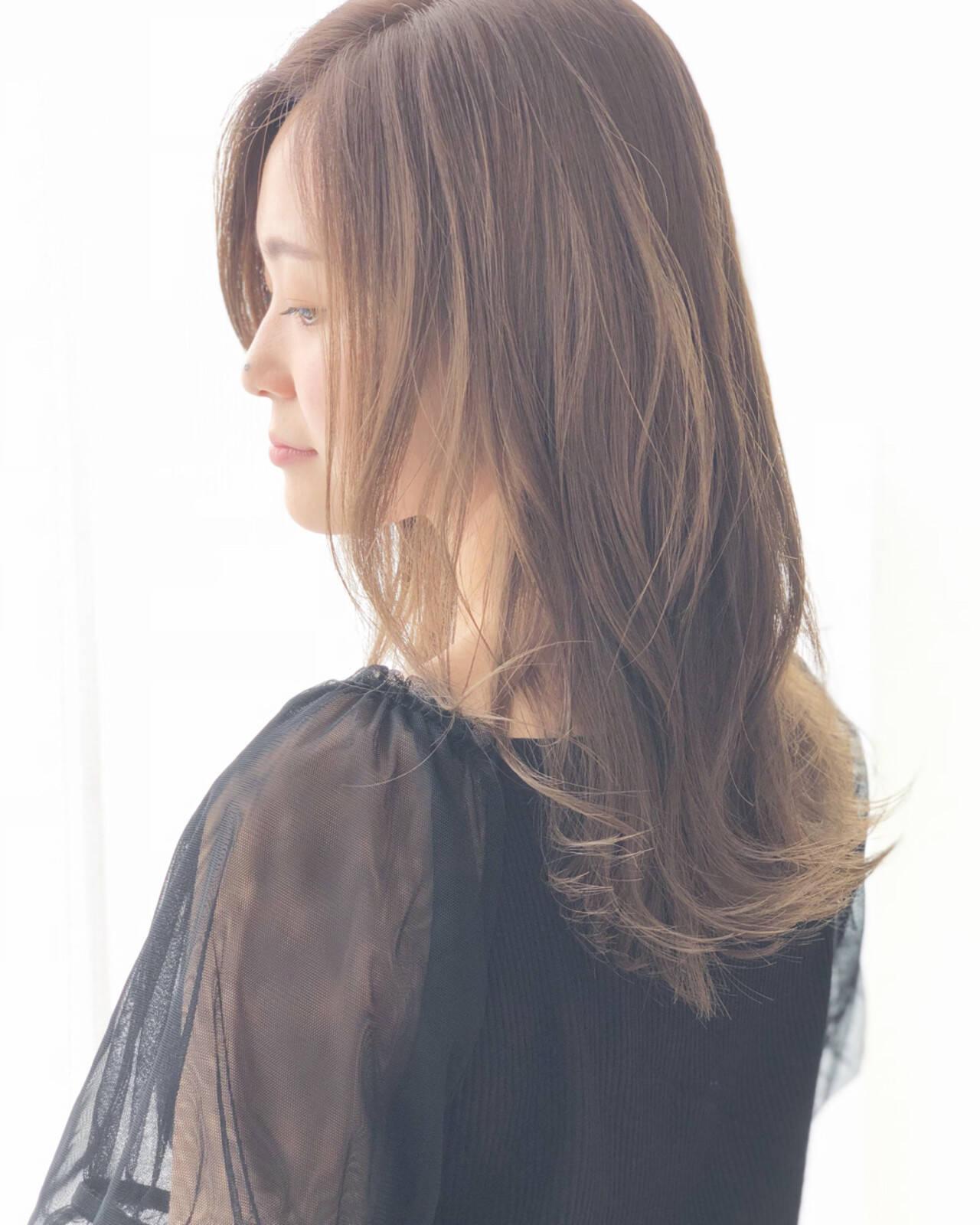 秋 エフォートレス 透明感 セミロングヘアスタイルや髪型の写真・画像