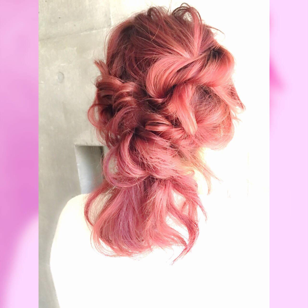 フェミニン 大人かわいい ヘアアレンジ ミディアムヘアスタイルや髪型の写真・画像