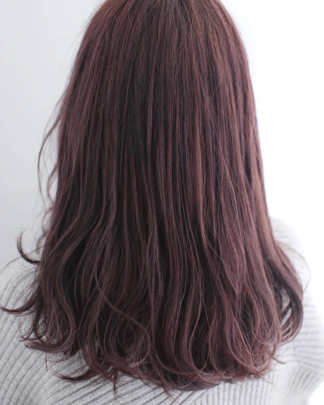セミロング ピンク ピンクアッシュ ナチュラルヘアスタイルや髪型の写真・画像