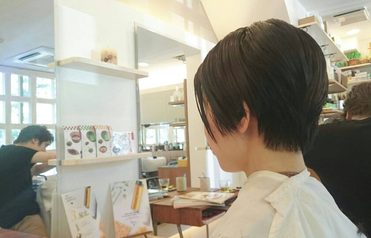 上品 ショート 黒髪 大人女子ヘアスタイルや髪型の写真・画像