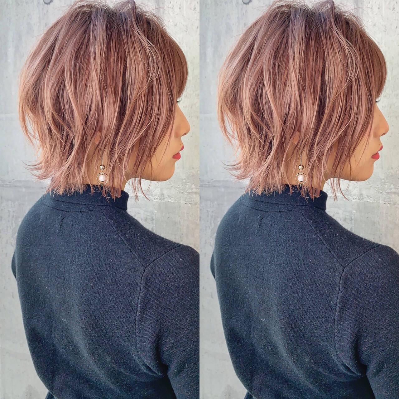 ヘアカラー ピンクアッシュ 切りっぱなしボブ ボブヘアスタイルや髪型の写真・画像