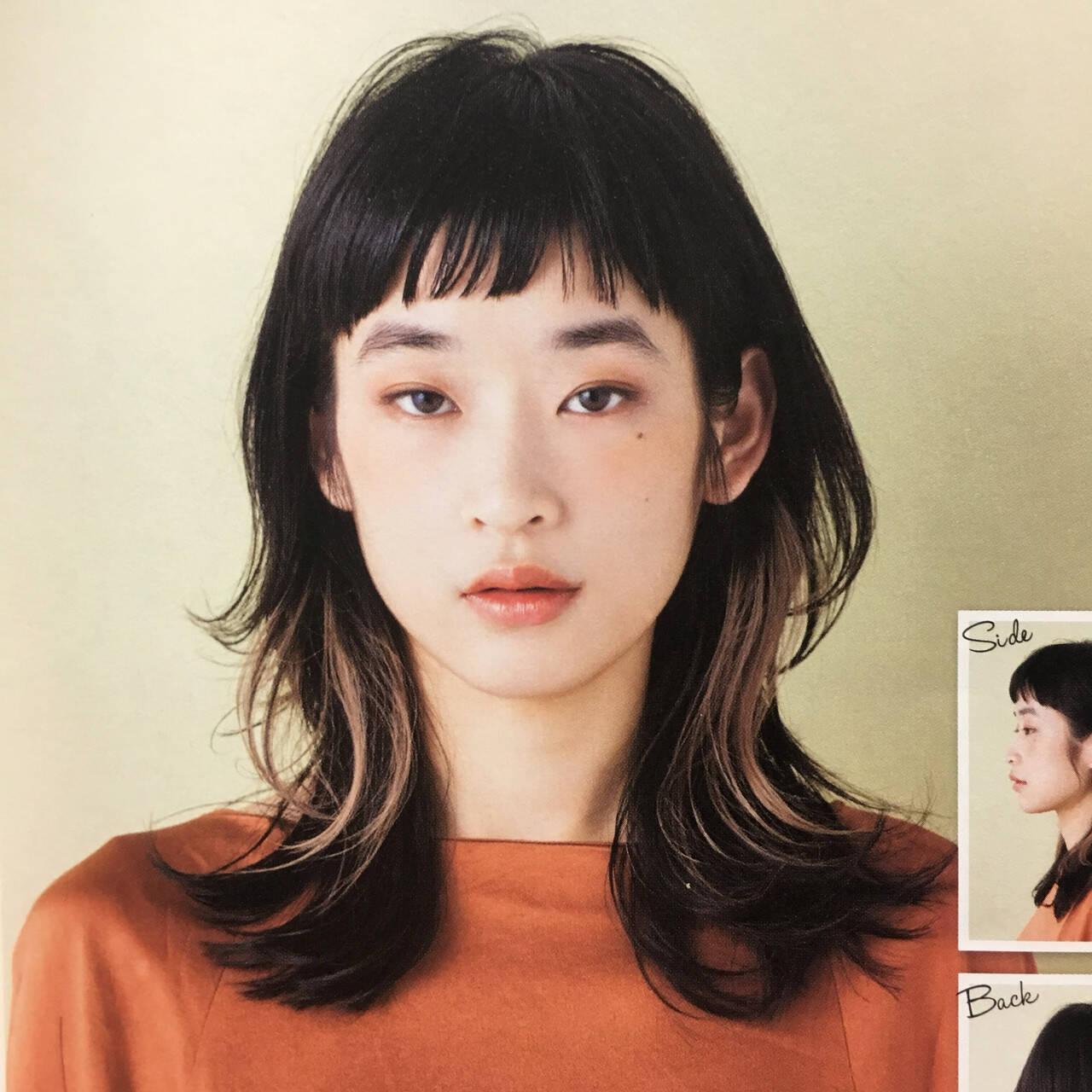 ショートバング ウルフカット ニュアンスウルフ ウルフレイヤーヘアスタイルや髪型の写真・画像