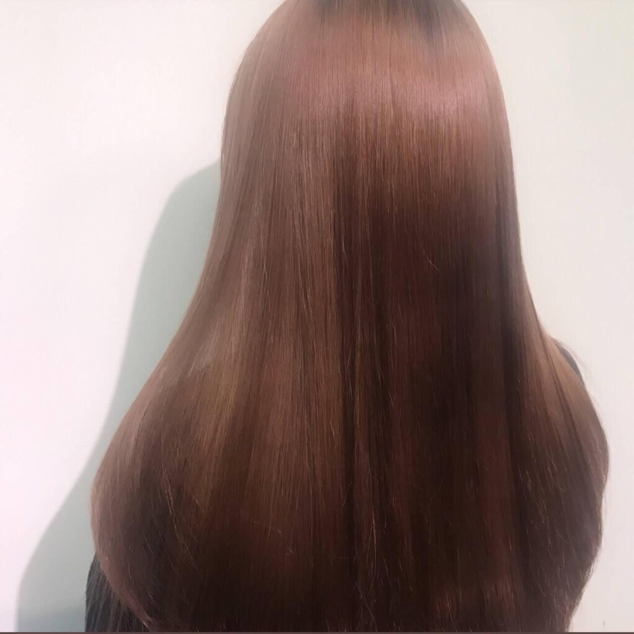 ロング ピンク ナチュラル ツヤツヤヘアスタイルや髪型の写真・画像