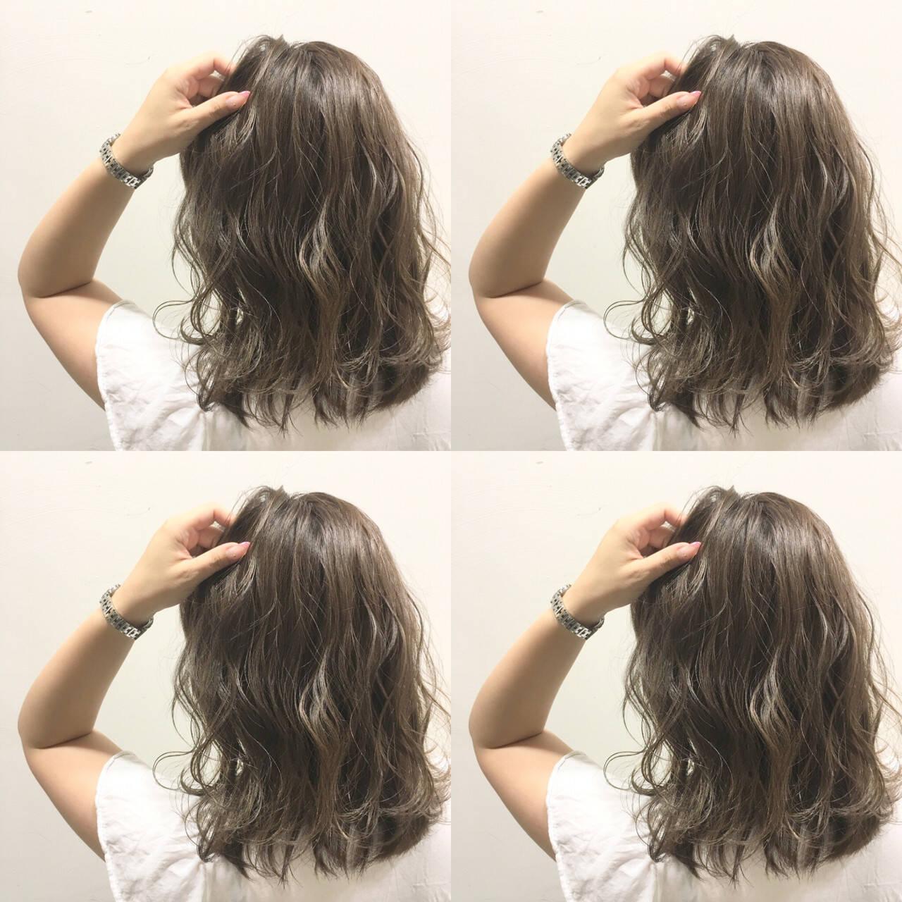 波ウェーブ グラデーションカラー ハイライト ストリートヘアスタイルや髪型の写真・画像
