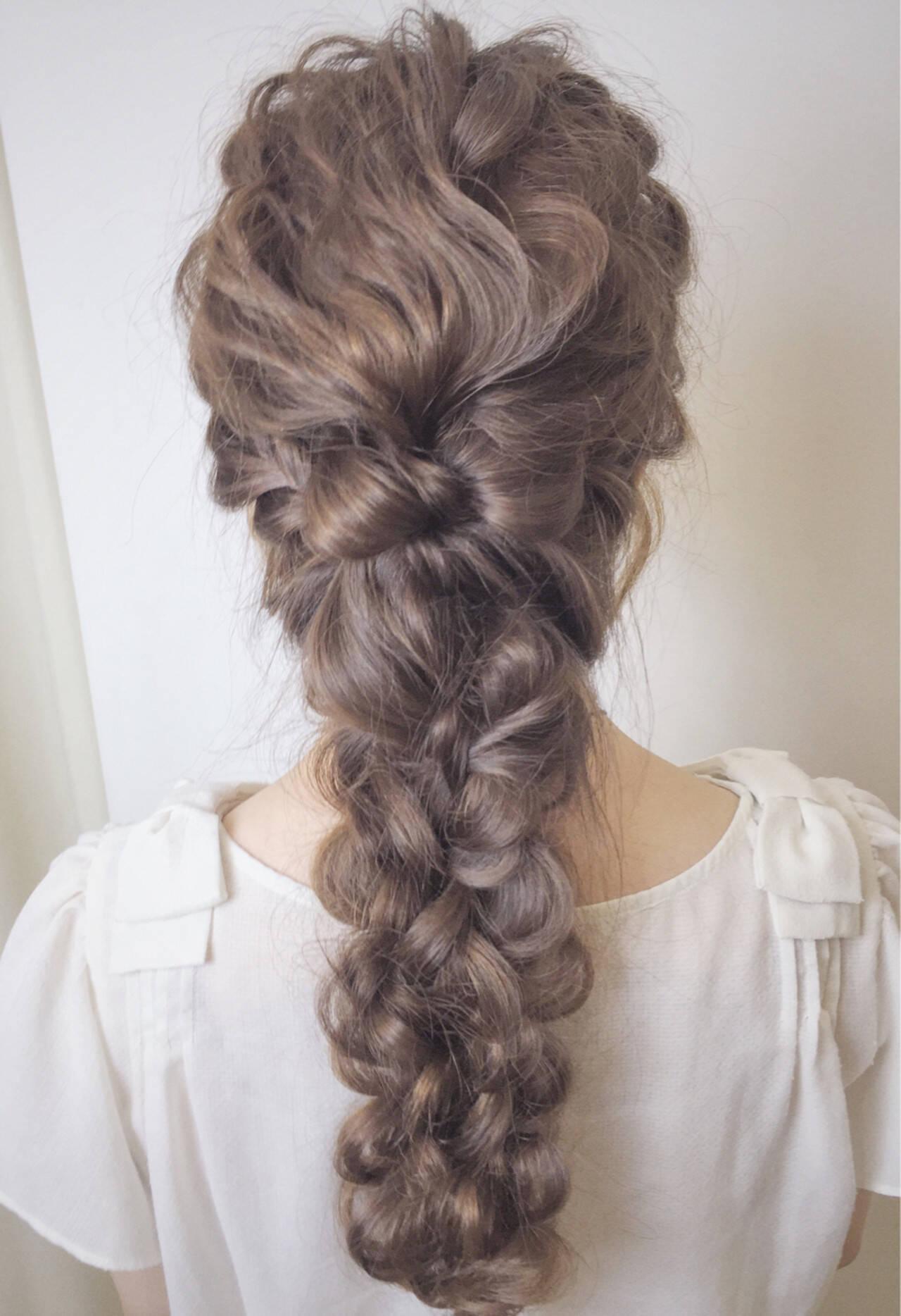 結婚式 フェミニン 四つ編み 編み込みヘアスタイルや髪型の写真・画像