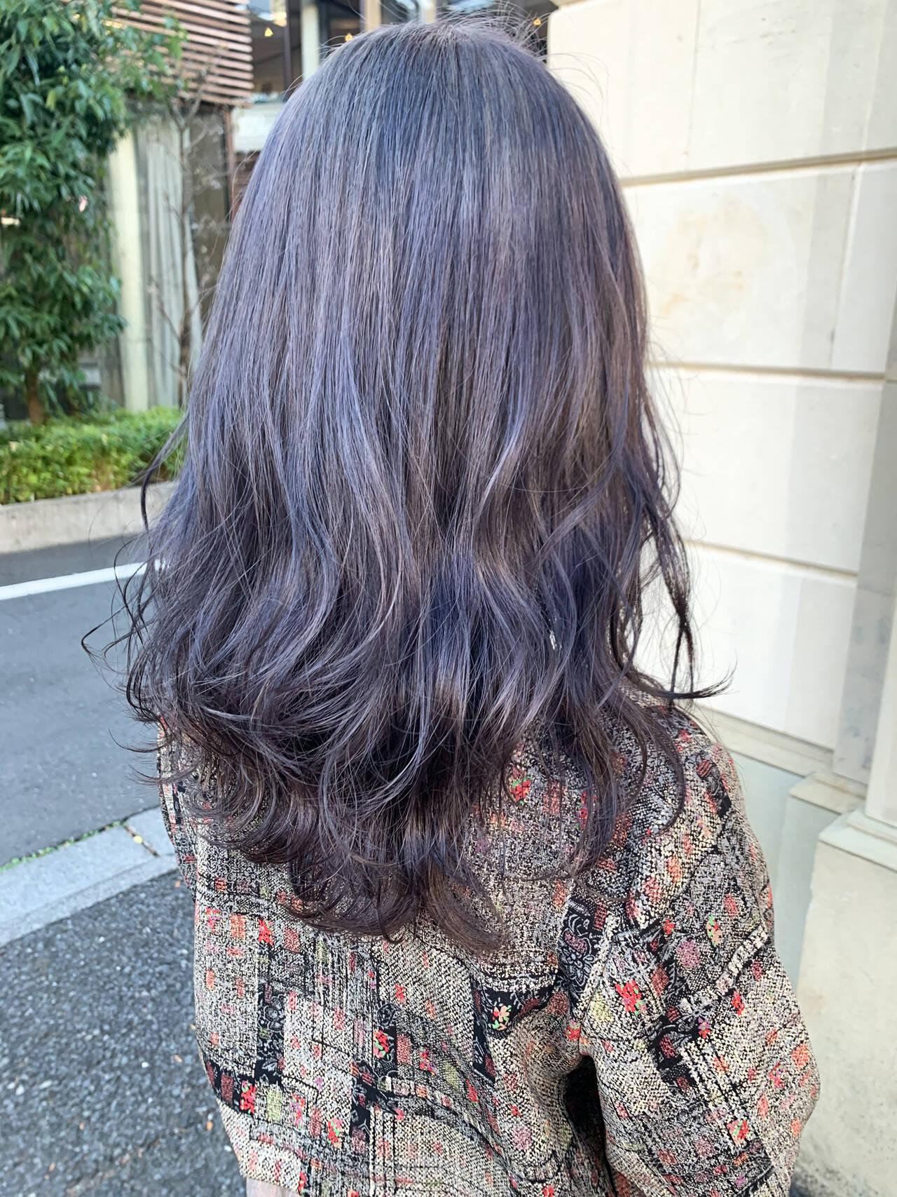 韓国ヘア セミロング モード ラベンダーヘアスタイルや髪型の写真・画像