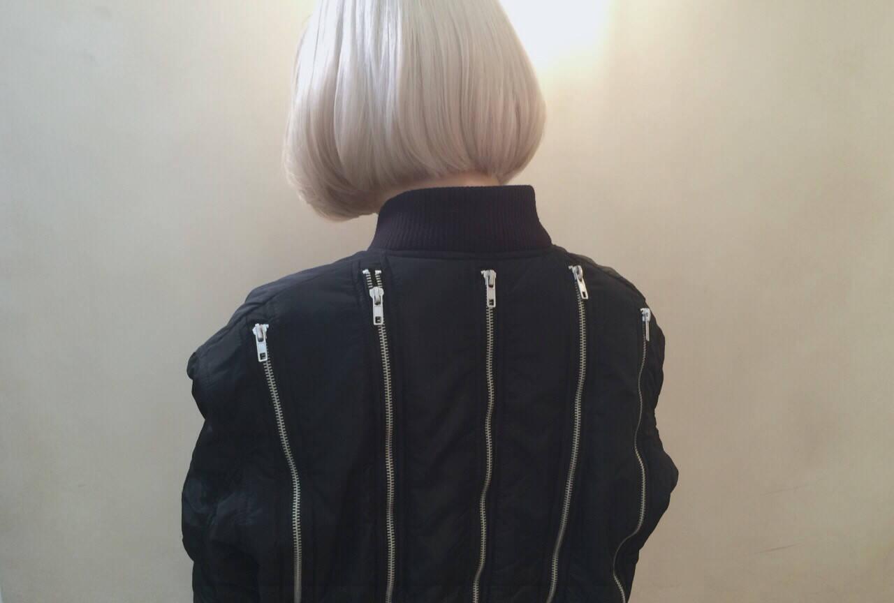 ボブ ストリート 外国人風 ホワイトヘアスタイルや髪型の写真・画像