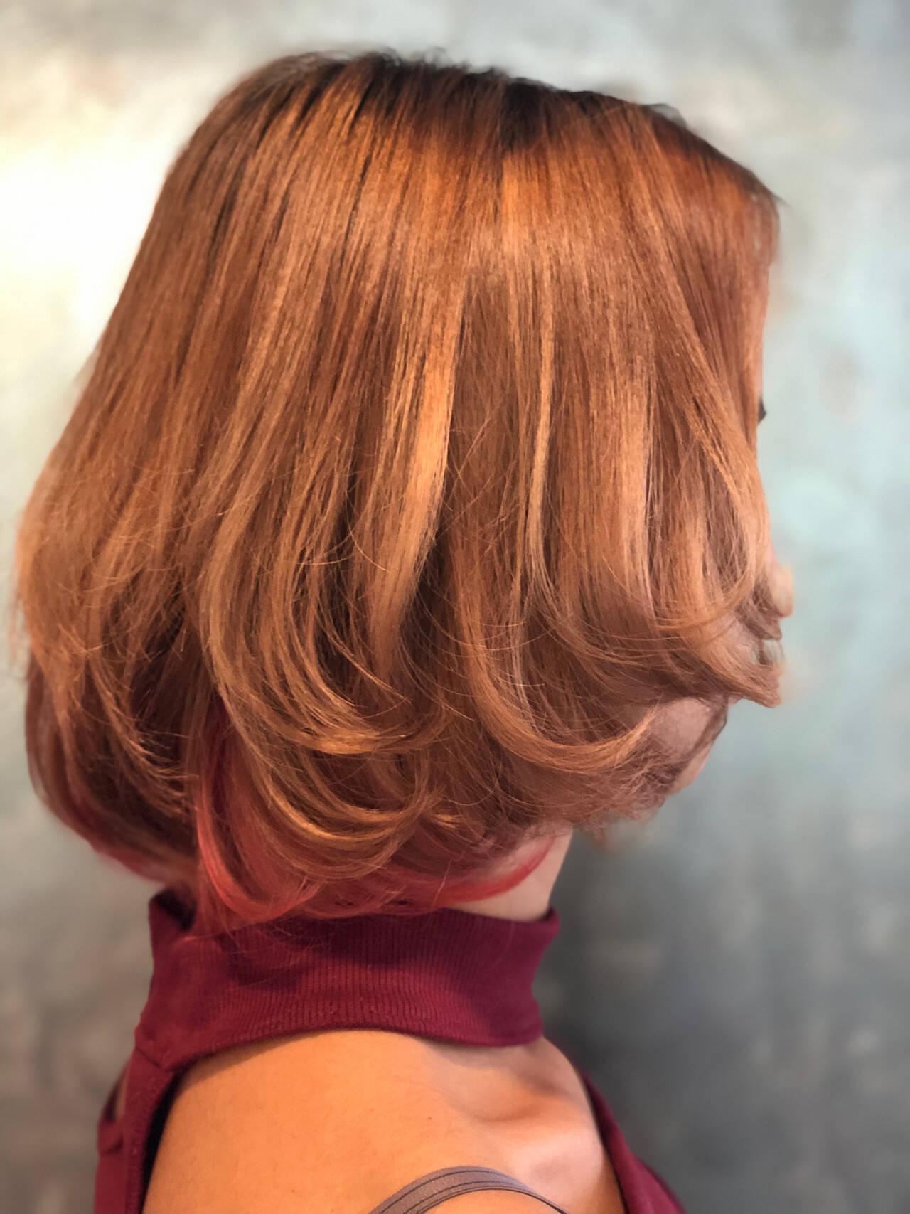 インナーカラー インナーカラーレッド ボブ レッドカラーヘアスタイルや髪型の写真・画像
