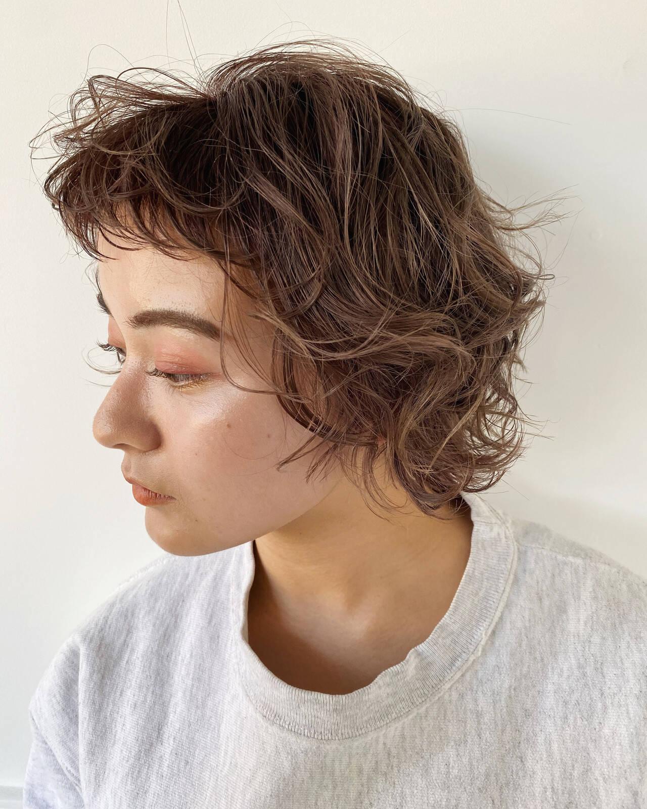 ゆるふわパーマ ナチュラル 前髪パーマ ボブヘアスタイルや髪型の写真・画像