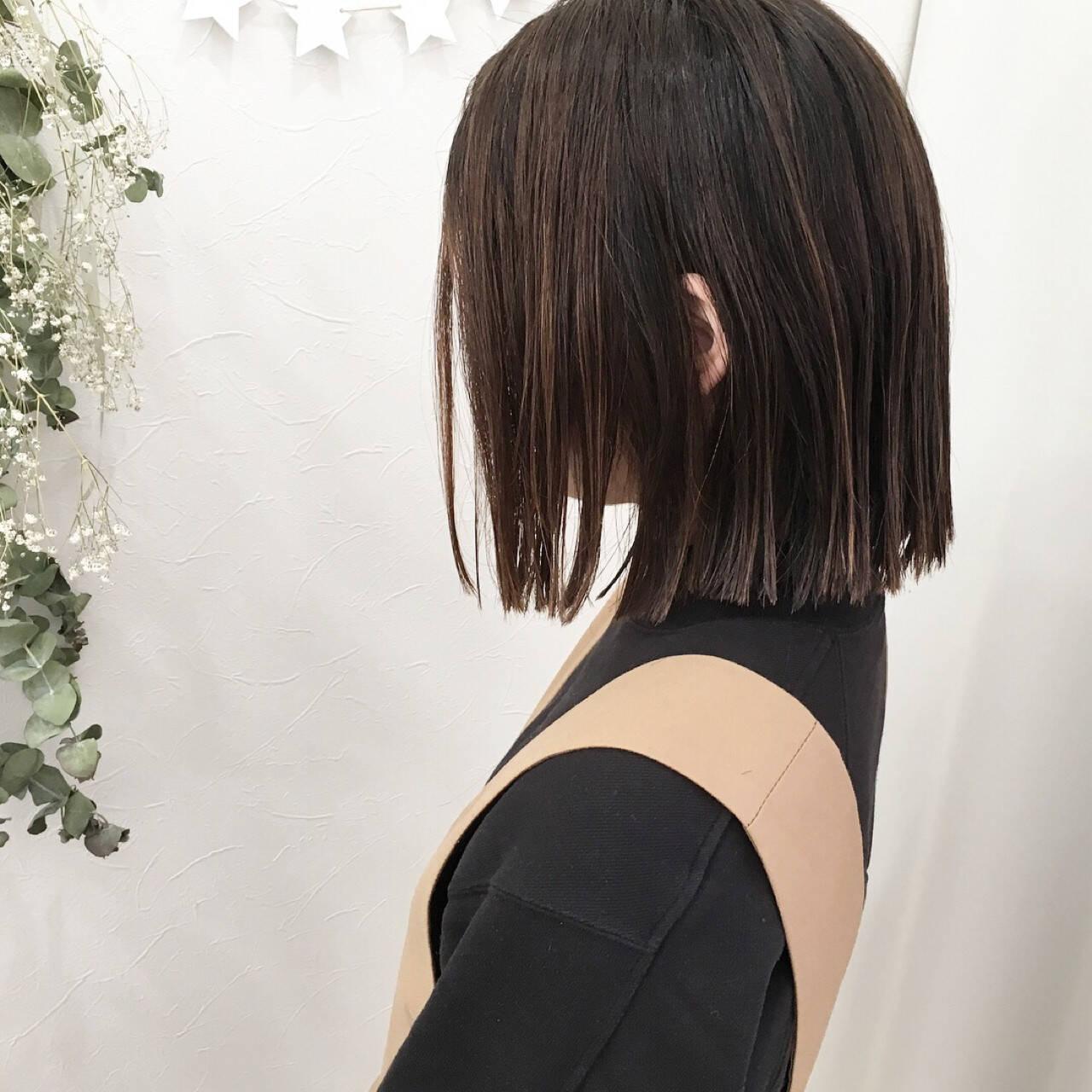 パーマ ストレート ロブ ハイライトヘアスタイルや髪型の写真・画像