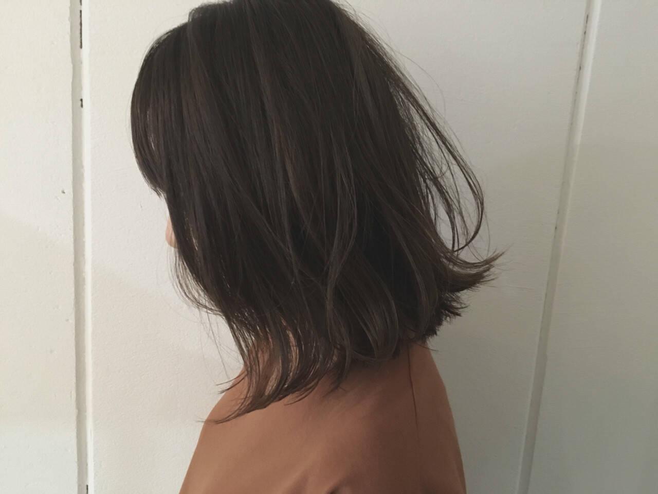 ストリート ウェットヘア 抜け感 前下がりヘアスタイルや髪型の写真・画像