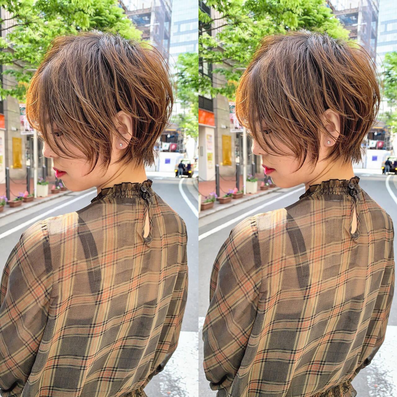 ショート 小顔ショート ナチュラル ハンサムショートヘアスタイルや髪型の写真・画像