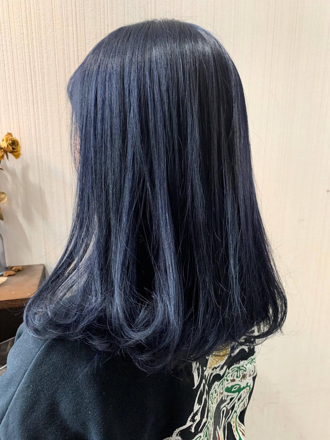 アッシュグレージュ ミディアム アッシュベージュ アンニュイほつれヘアヘアスタイルや髪型の写真・画像