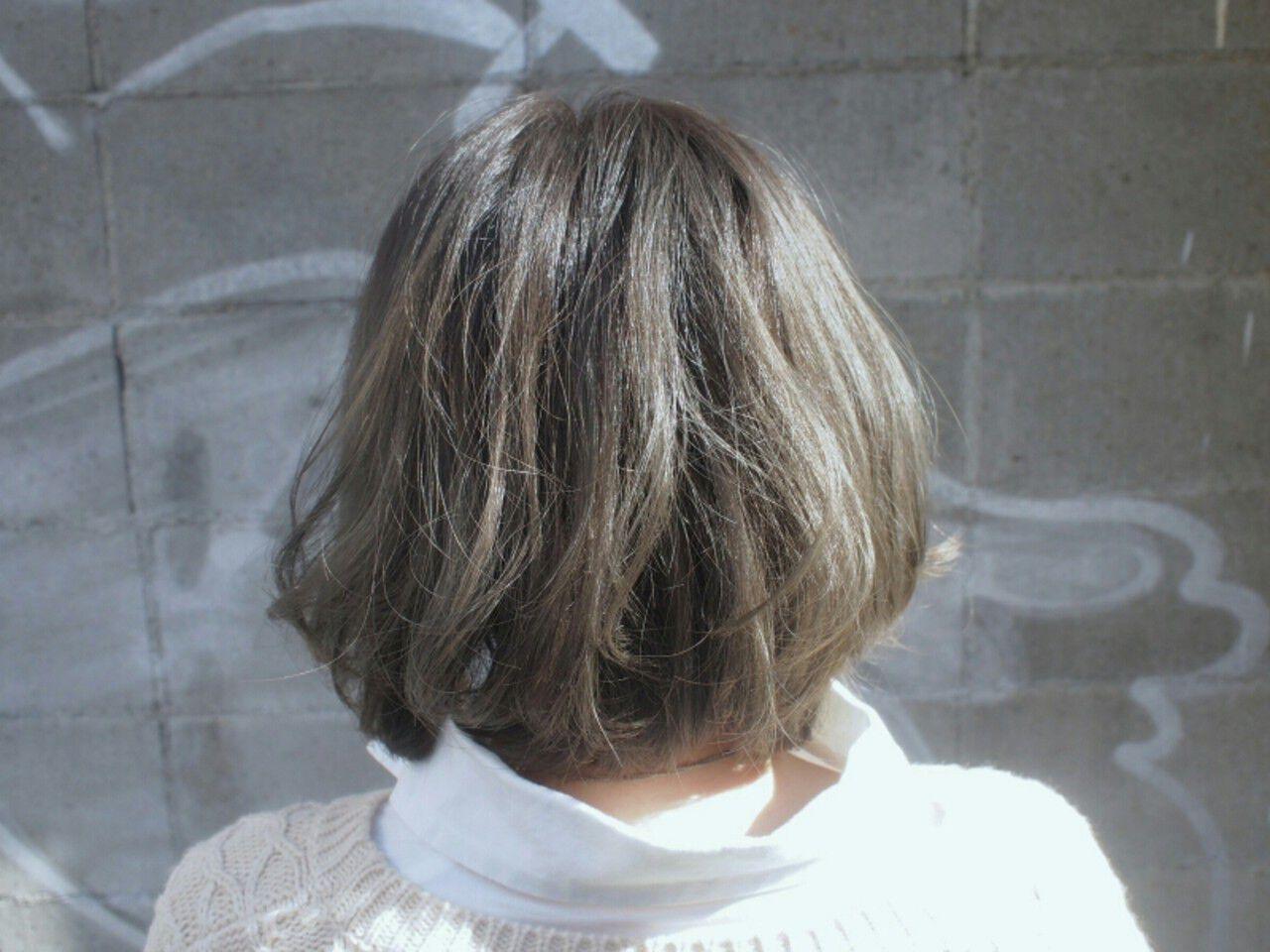 ボブ アッシュ グレージュ グラデーションカラーヘアスタイルや髪型の写真・画像