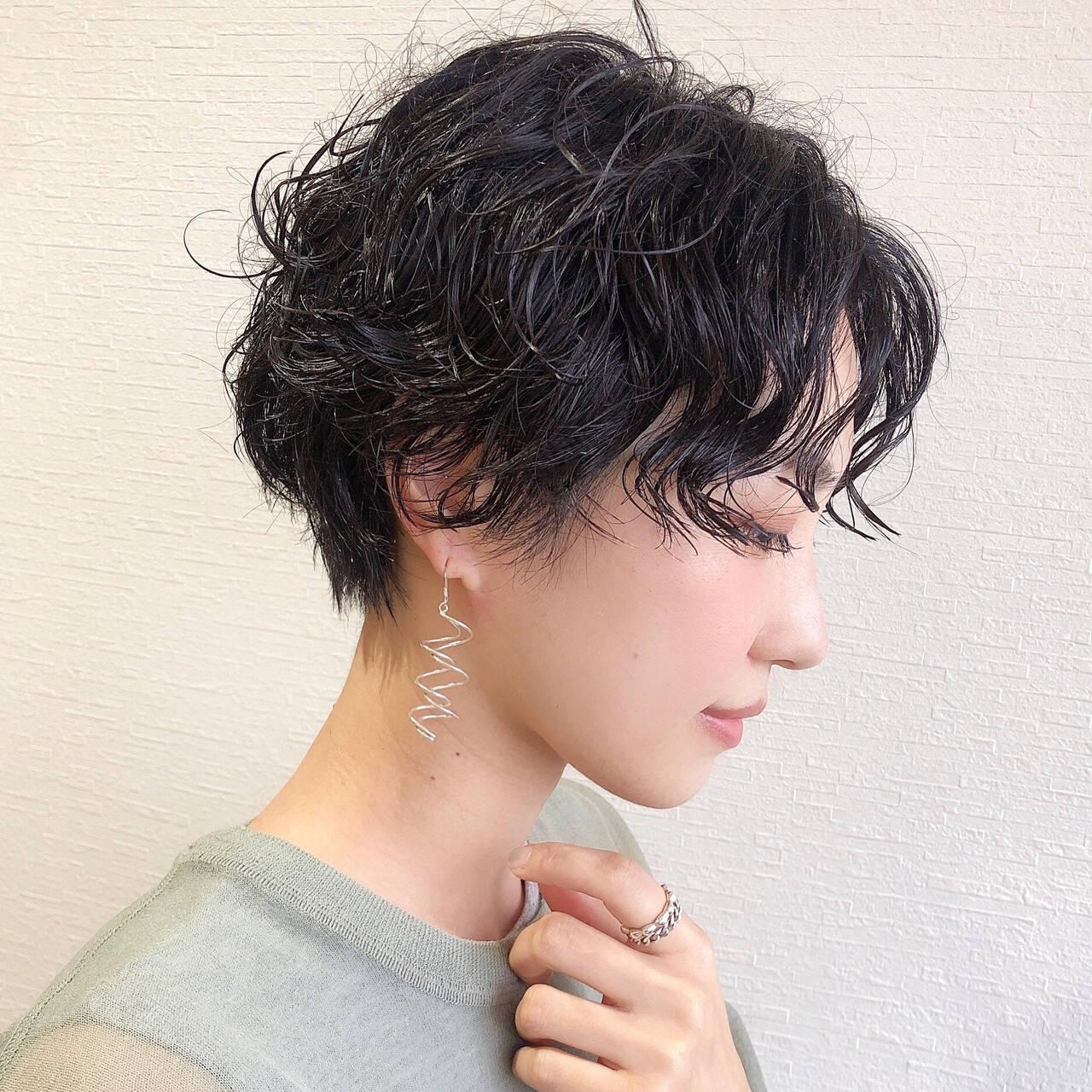 黒髪ショート モード ショートヘア ショートパーマヘアスタイルや髪型の写真・画像