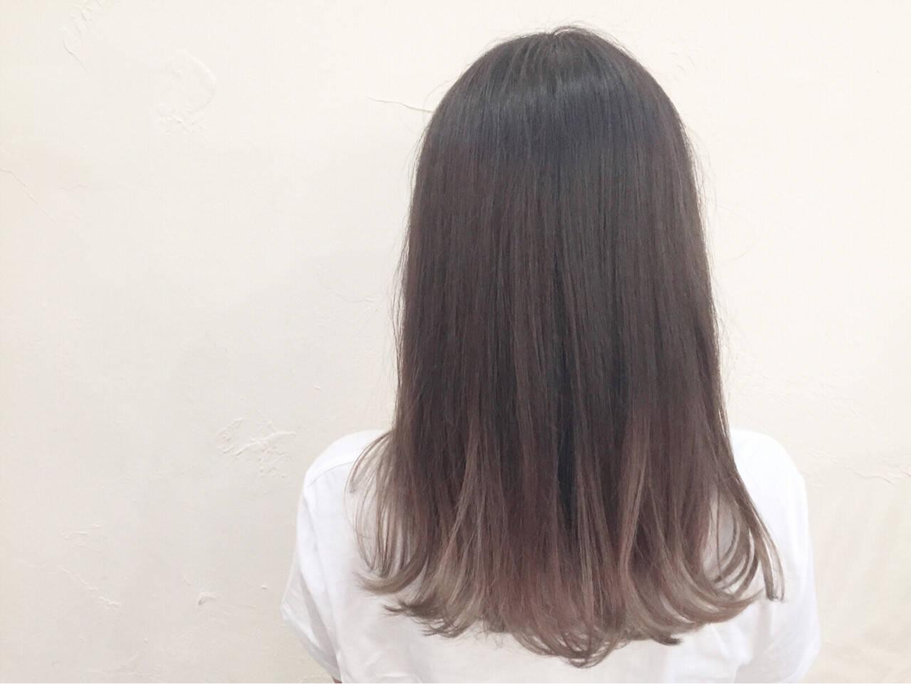 グラデーションカラー ミディアム アッシュ ハイライトヘアスタイルや髪型の写真・画像