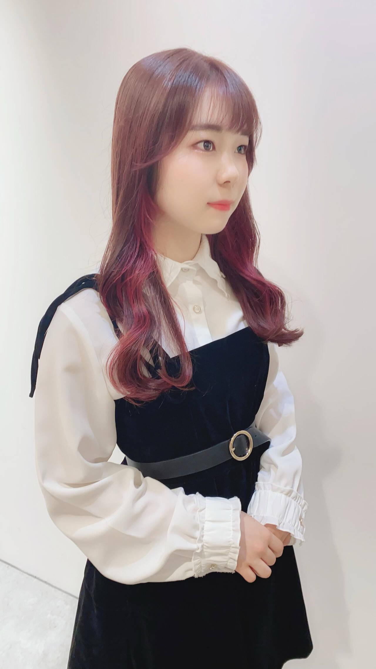 ピンクアッシュ ナチュラル ピンクベージュ インナーカラーヘアスタイルや髪型の写真・画像