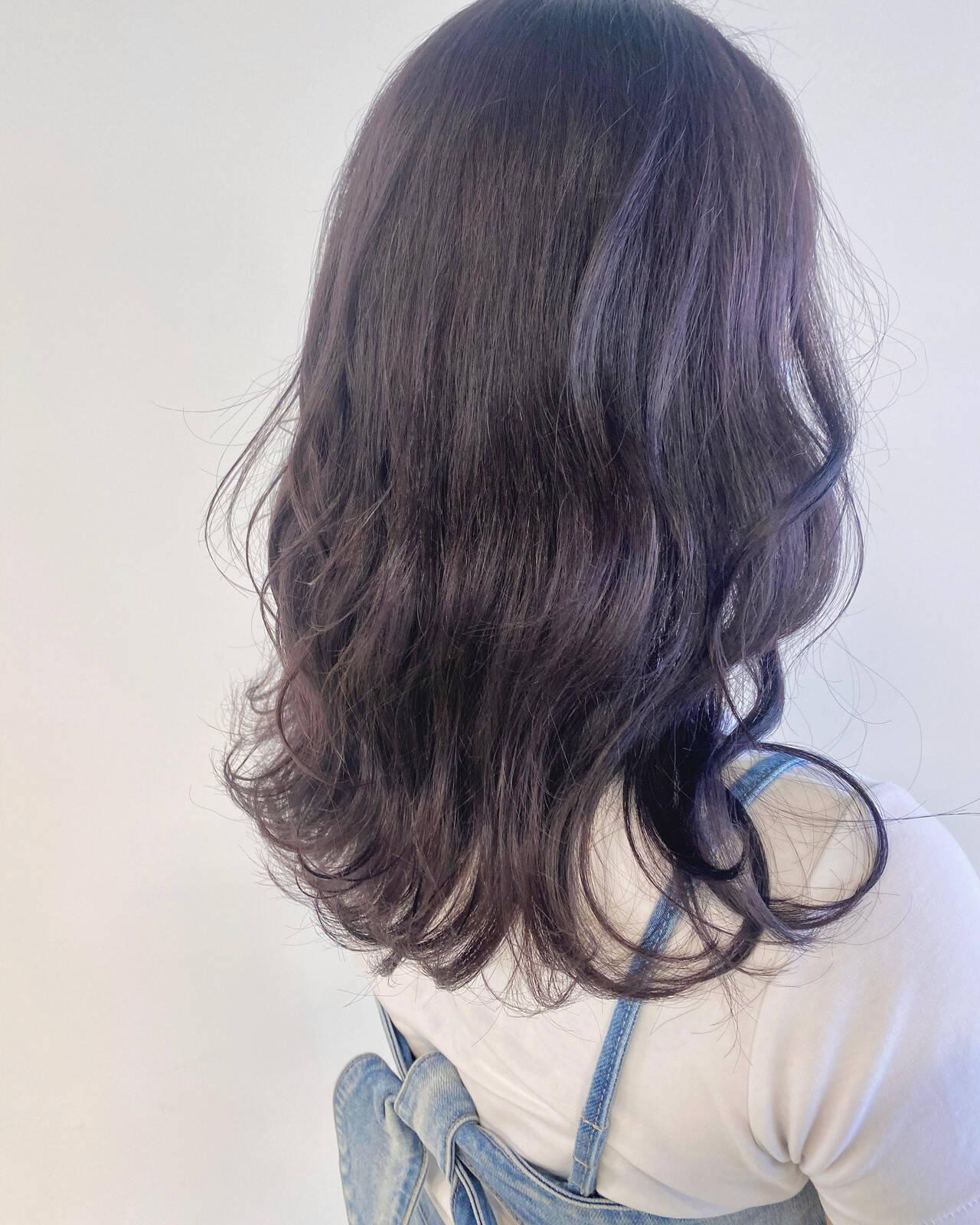 パープルアッシュ パープル パープルカラー ラベンダーヘアスタイルや髪型の写真・画像
