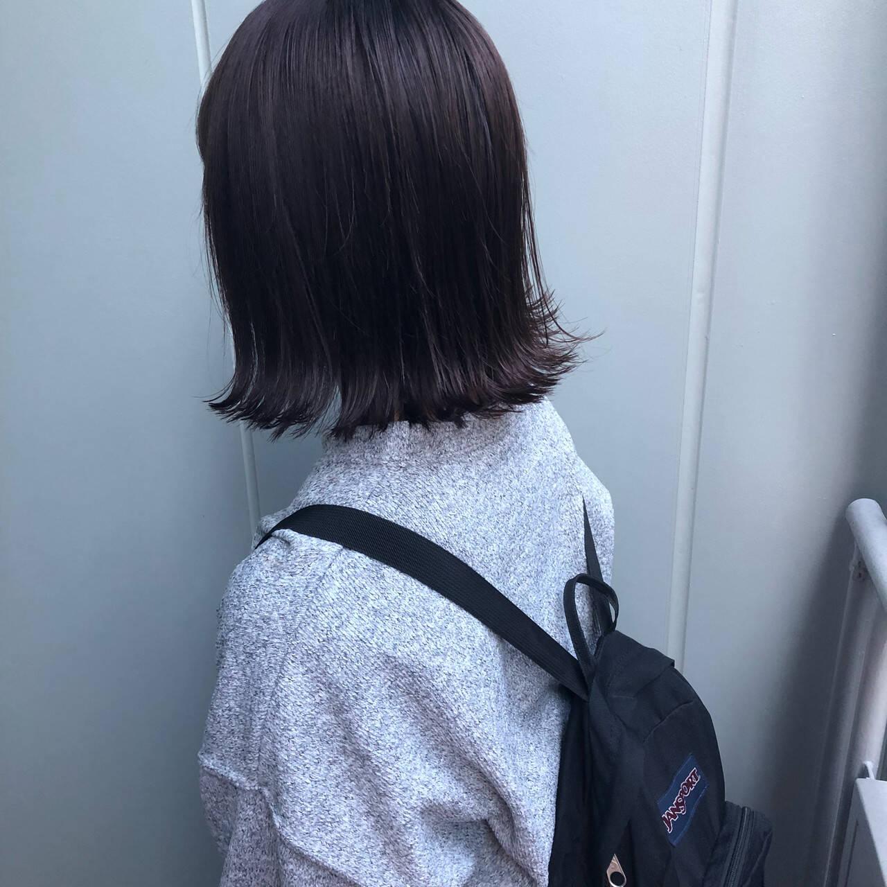 ダークグレー ボブ ナチュラル グレーアッシュヘアスタイルや髪型の写真・画像