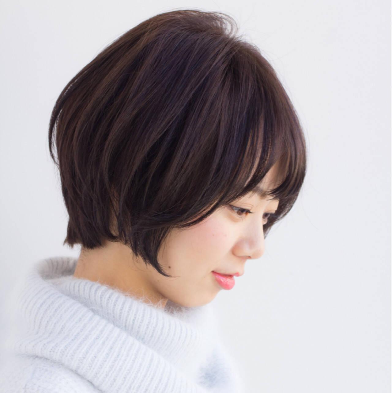 小顔 ショートボブ ナチュラル ショートヘアスタイルや髪型の写真・画像