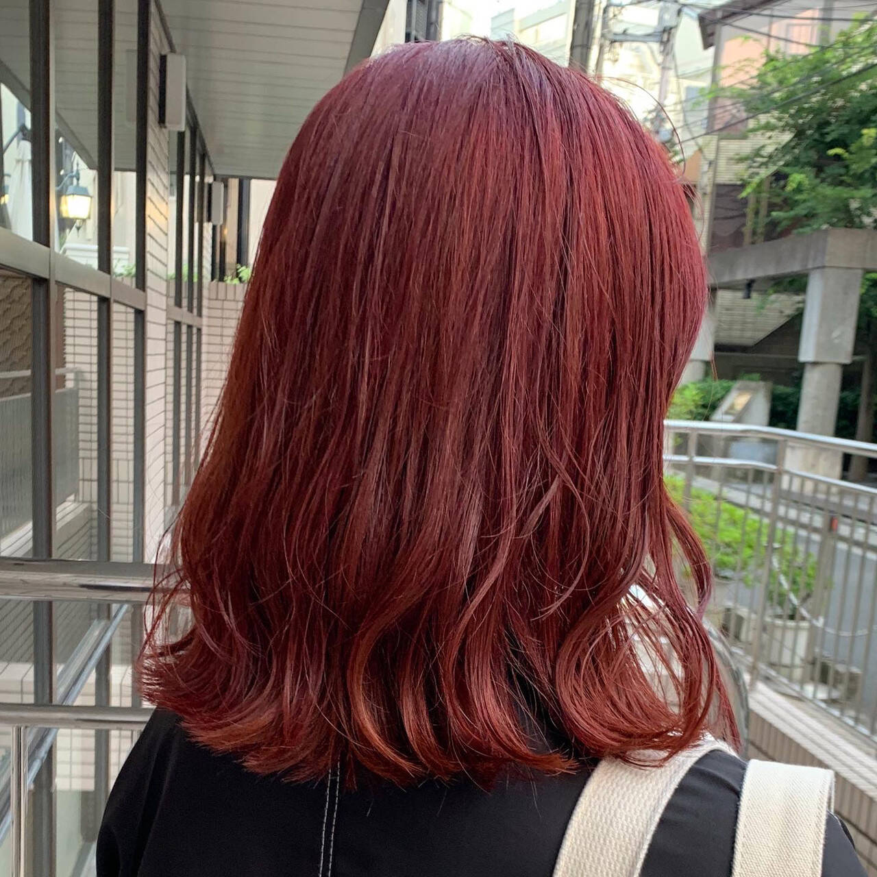 ナチュラル カシスレッド レッドブラウン レッドヘアスタイルや髪型の写真・画像