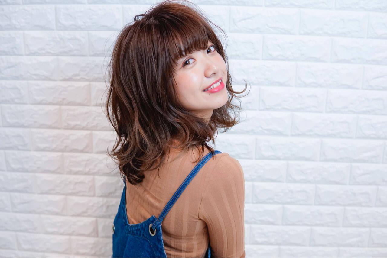 ミディアム フェミニン 透明感 秋ヘアスタイルや髪型の写真・画像