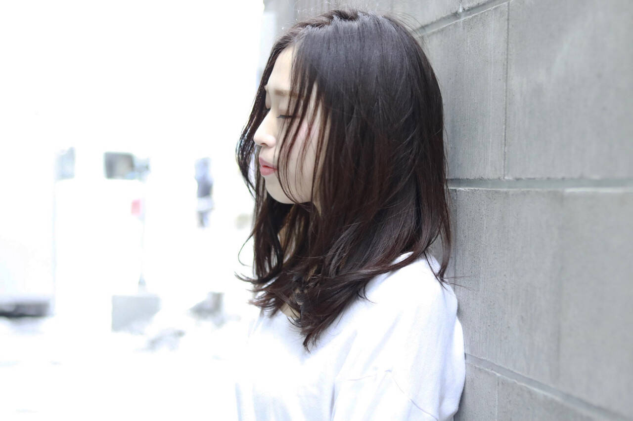 アッシュ アッシュグレー ナチュラル ラベンダーアッシュヘアスタイルや髪型の写真・画像