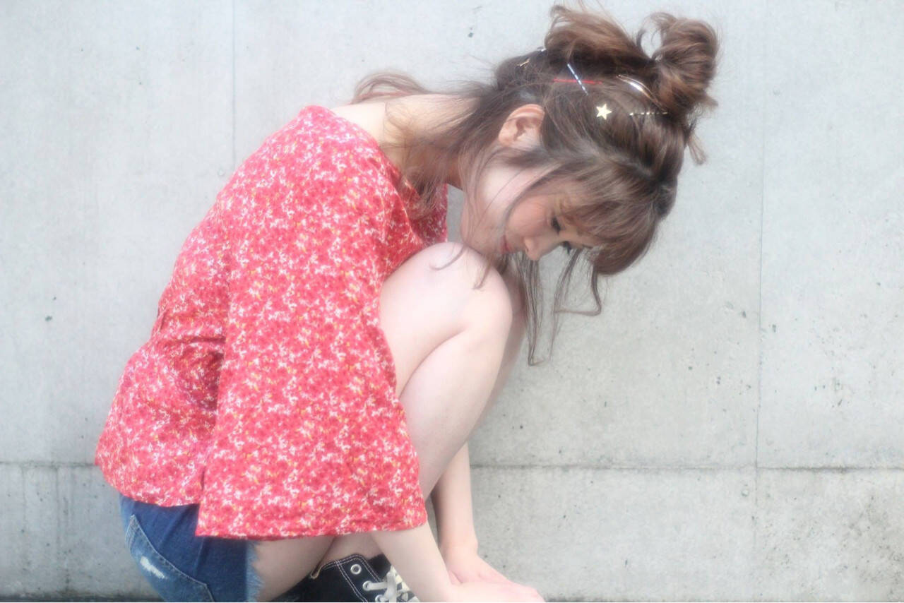 デート セミロング ヘアアレンジ 夏ヘアスタイルや髪型の写真・画像