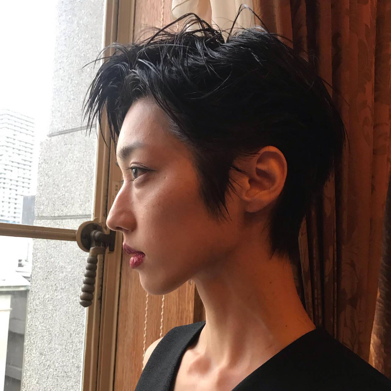 簡単ヘアアレンジ ショート ハンサムショート モードヘアスタイルや髪型の写真・画像