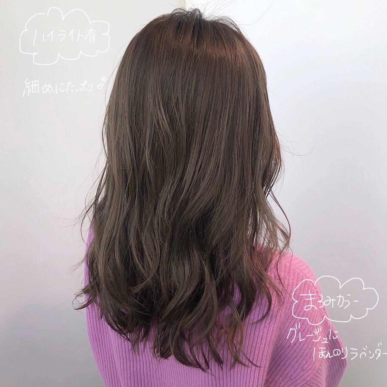 大人ハイライト イルミナカラー ナチュラル 透明感カラーヘアスタイルや髪型の写真・画像